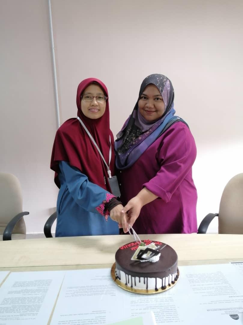 selamat hari lahir Pn Hafizah dan Pn Zana